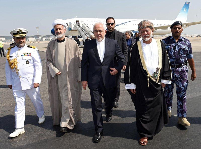 Zarif in Oman for talks, ahead of scheduled Qatar trip