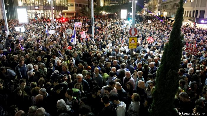 Proposed Law Prompts Protest Against Netanyahu, Corruption