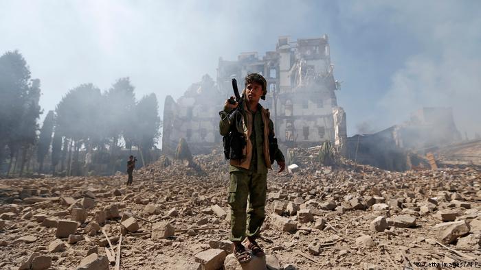 Saudi-led air strikes kill 136 civilians in Yemen