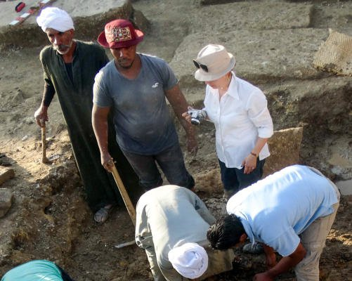 Archaeologists uncover burial sites, statue in Egypt's Aswan