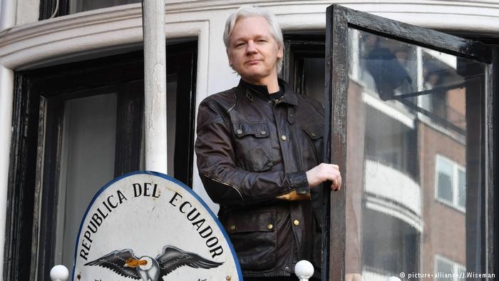 WikiLeaks founder Julian Assange given Ecuadorian citizenship