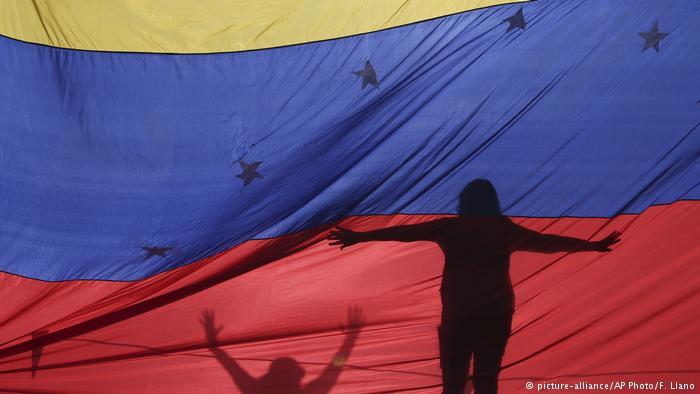 Venezuela's Nicolas Maduro calls for snap election amid possible opposition boycott