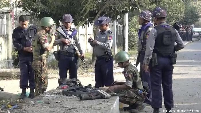 3 bombs blast in capital of Myanmar's Rakhine