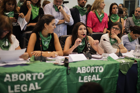 Argentine women see legal abortion closer than ever