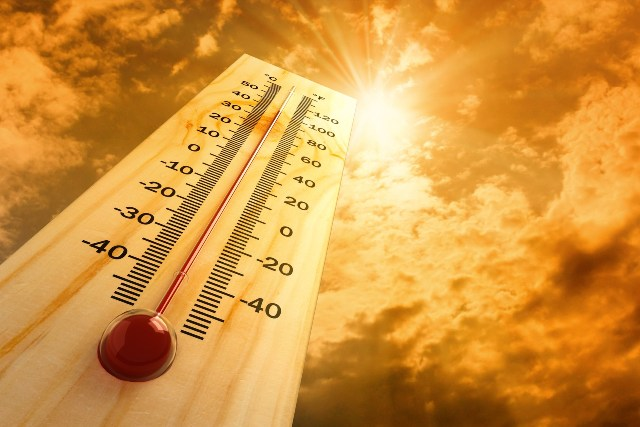 Very hot weather to continue throughout Sunday