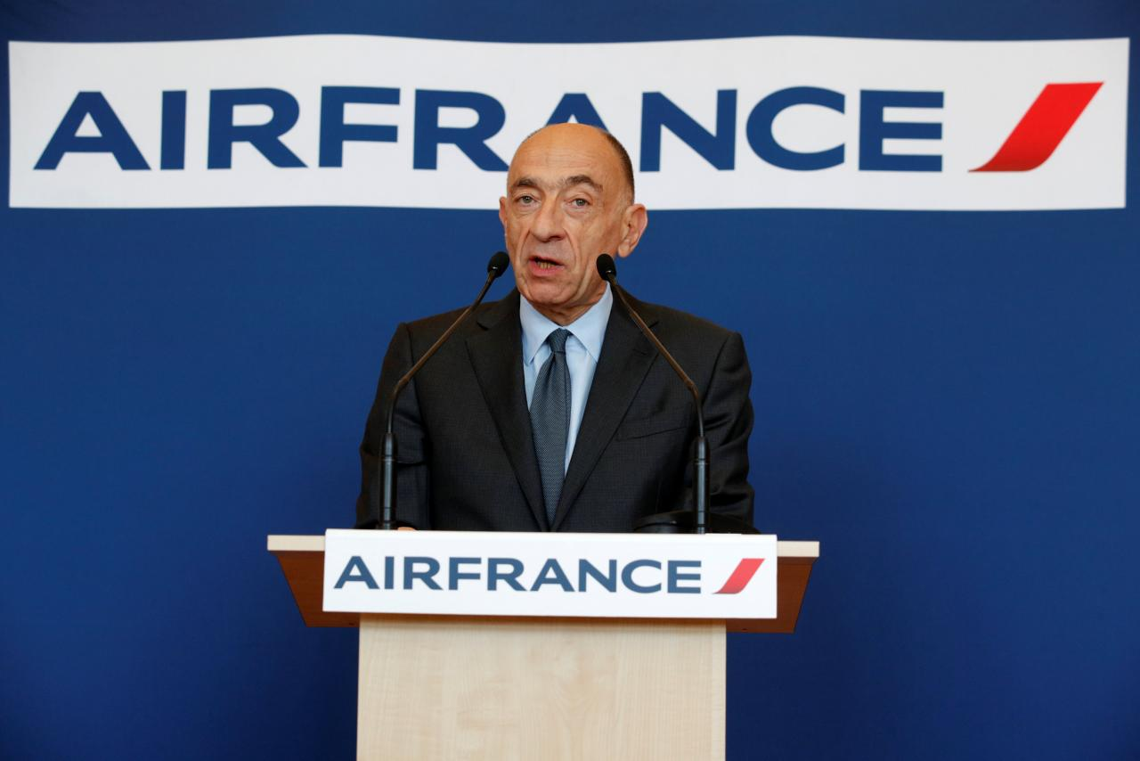 Air France shares in tailspin after CEO quits